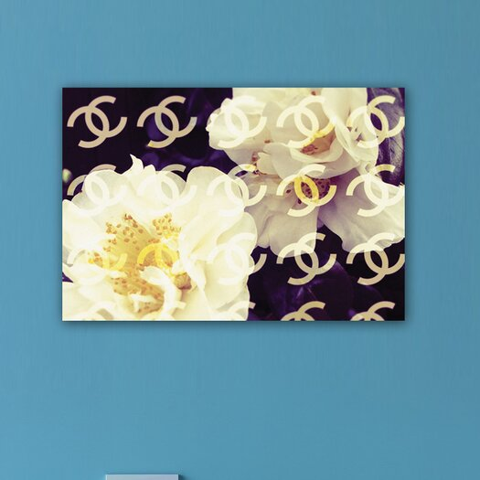 Oliver Gal Cocos Camellia Vanilla Graphic Art on Canvas
