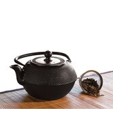 40 Oz Cast Iron Teapot in Black Matte