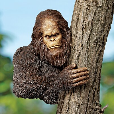 Design Toscano Bigfoot The Bashful Yeti Tree Statue