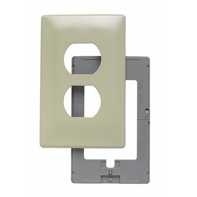 Legrand Single Gang Outlet Opening Screwless Wall Plate in Ivory