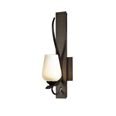 Hubbardton Forge Flora 1 Light Wall Sconce
