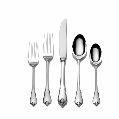 Wallace Grande Colonial 66 Piece Flatware Dinner Flatware Set with Cream Spoon