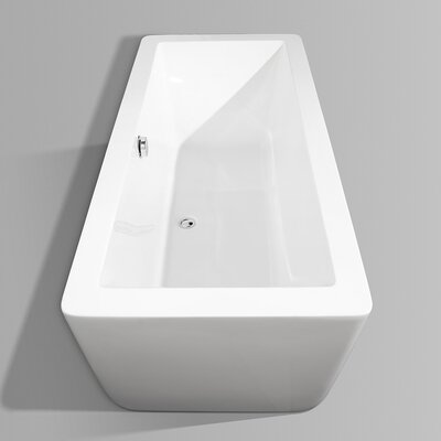 """Wyndham Collection Laura 67"""" x 30"""" Bathtub"""