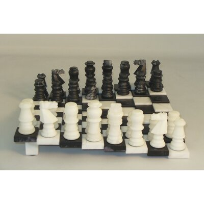 Tiered Alabaster Chess Set in Black / White