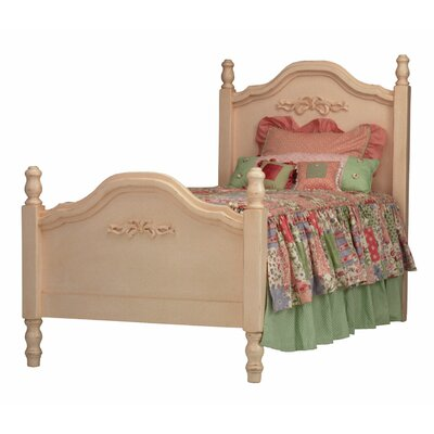 Newport Cottages Taylor Cottage Cape Cod Bed with Bows