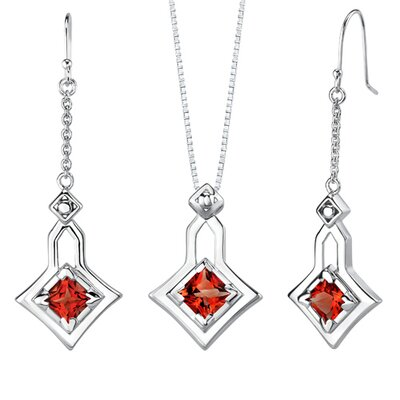 4.50 carats Princess Cut Garnet Pendant Earrings Set in Sterling Silver