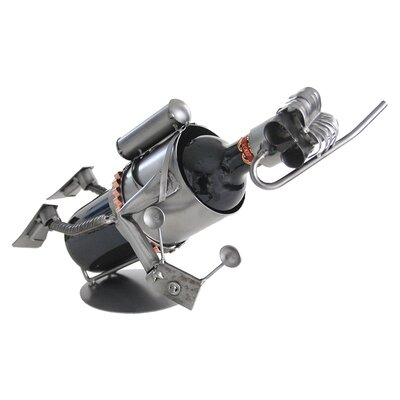 H & K SCULPTURES Scuba with Camera Wine Caddy