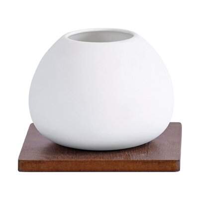 Vita V Home Hotah Single Orb Vase on Base