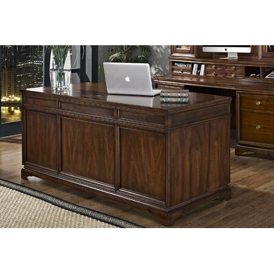 iQuest Furniture Madison Standard Desk Office Suite