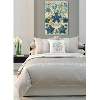 Oliver Gal ''Starfish in Blue'' Canvas Art Print