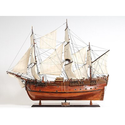 Old Modern Handicrafts HMS Endeavour Model Ship