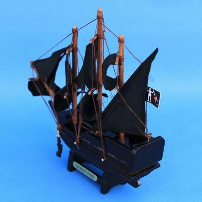Handcrafted Model Ships Blackbeard's Queen Anne's Revenge Model Ship