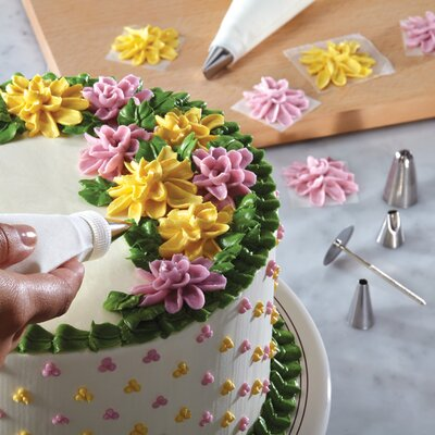 Cake Boss 10 Piece Flower Decorating Tip Set