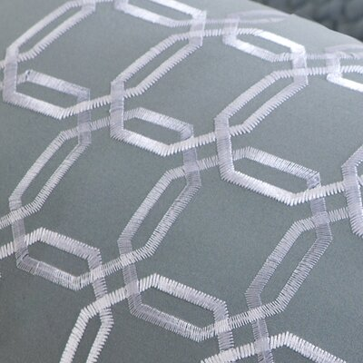 Intelligent Design Maci Coverlet Set