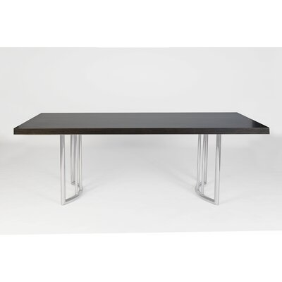 IE Series Pipa Dining Table
