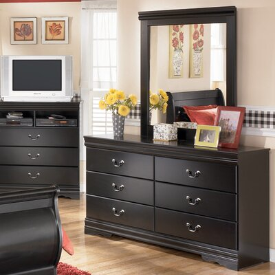 Signature Design by Ashley Westbrook 6 Drawer Dresser