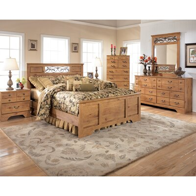 Signature Design by Ashley Atlee 6 Drawer Dresser