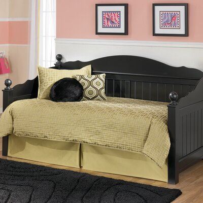 Signature Design by Ashley Dawn Daybed Set