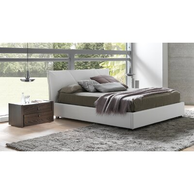 Creative furniture esprit queen platform bedroom for Creative bedroom furniture