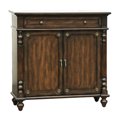 <strong>Pulaski Furniture</strong> 1 Drawer Hall Chest