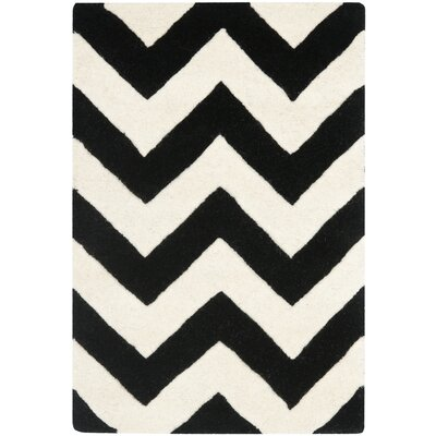 Safavieh Chatham Ivory & Black Chevron Rug