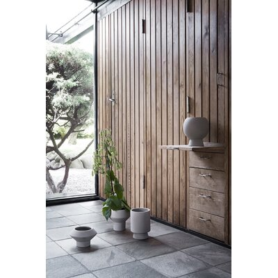 ferm LIVING Flower Pot 1