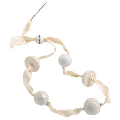 Makkum Pearl Necklace in White Collection by Alexander van Slobbe