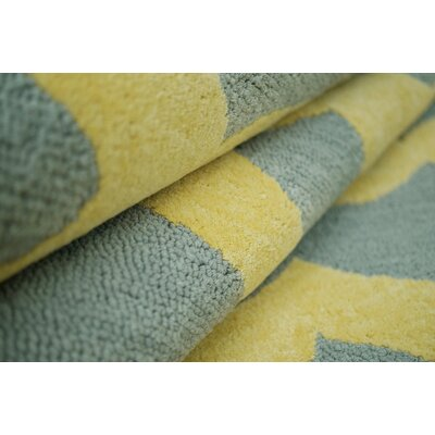 nuLOOM Brilliance Yellow Hannah Plush Rug