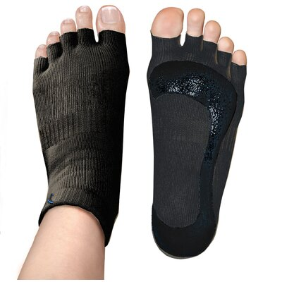 Stick-E Yoga Yogi on the Road Travel Bundle with Black Socks & Gloves