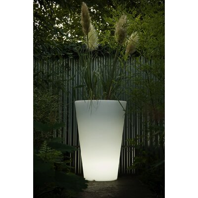 Serralunga Liscio Siena Planter with Light