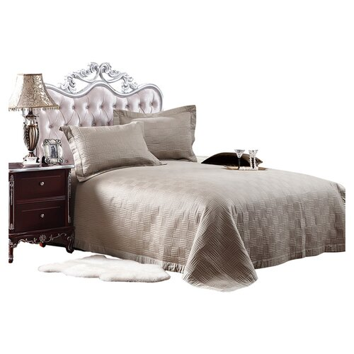 Textiles Plus Inc. Quilted Bedspread Set