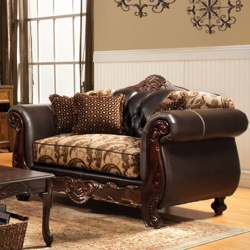 Maximillia Two-Tone Classic Loveseat