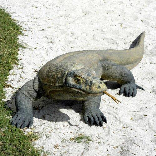 Design Toscano The Grand-Scale Wildlife Komodo Dragon Statue