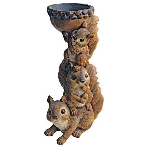 Design Toscano Three's a Crowd and Stacked Squirrel Statue
