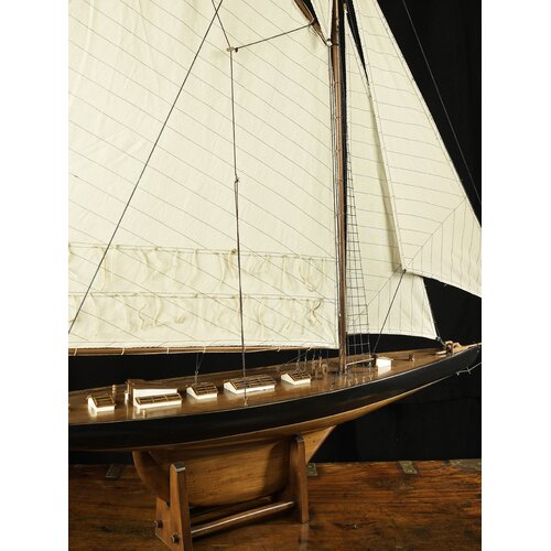 Authentic Models 1901 Large America's Cup Columbia Model Boat