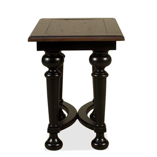 Riverside Furniture Williamsport Chairside Table