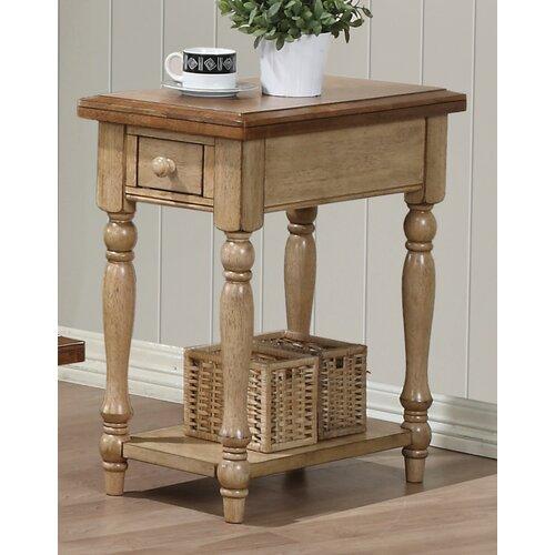 Quails Run Chairside Table