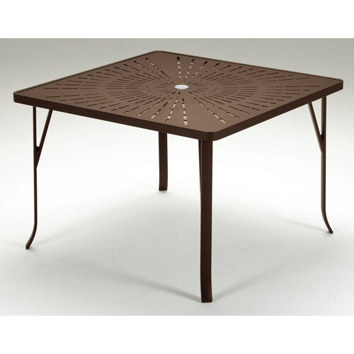 La'Stratta Dining Table