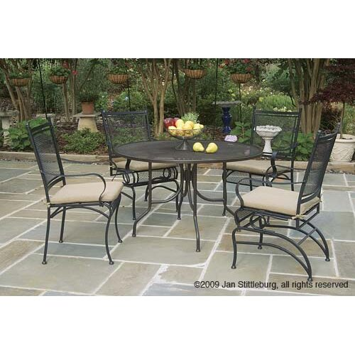 Paragon Casual Caledonia Round Mesh Table