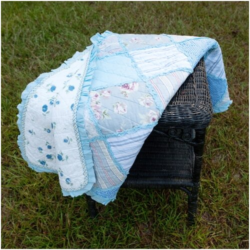 American Mills Cornflower Quilted Throw