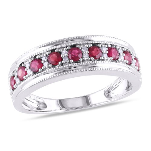 Gold Round Cut Ruby Ring