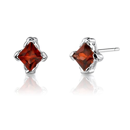 0.75 Carats Princess Cut Garnet Earrings in Sterling Silver