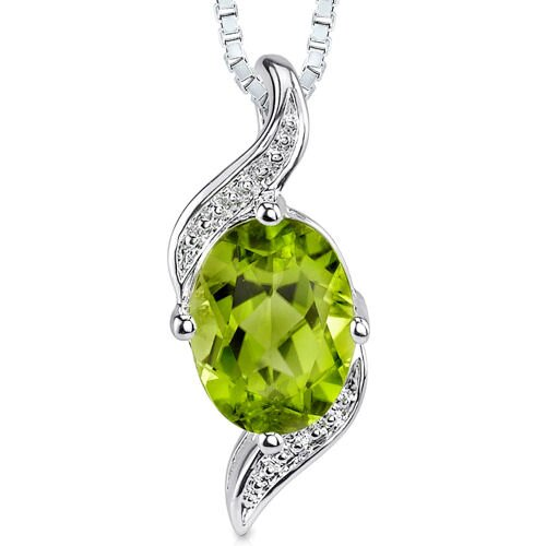 1.25 cts Oval cut Peridot Pendant in Sterling Silver