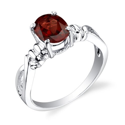1.50 carats Oval Cut Garnet Ring in Sterling Silver