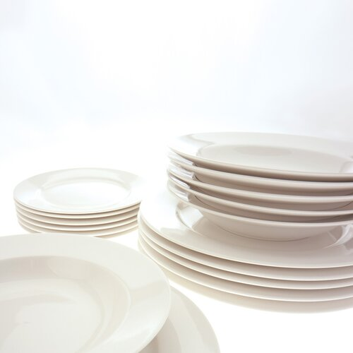 White Basics York 18 Piece Dinnerware Set
