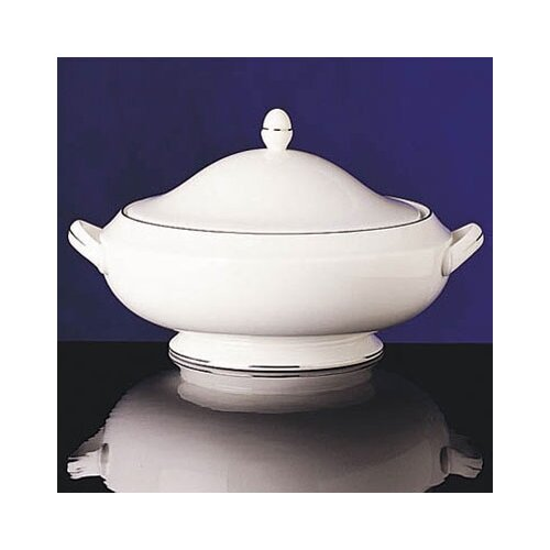 Wedgwood Signet Platinum 48 oz. Covered Vegetable Dish
