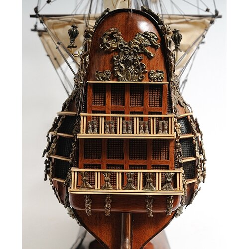 Old Modern Handicrafts Fairfax Speaker-Class Frigate Model Ship
