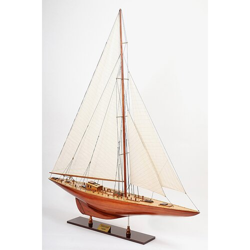 Old Modern Handicrafts Endeavour 40 Model Boat