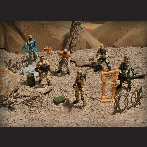 Lanard Corps 8 Piece Total Soldier Special Force Unit Set