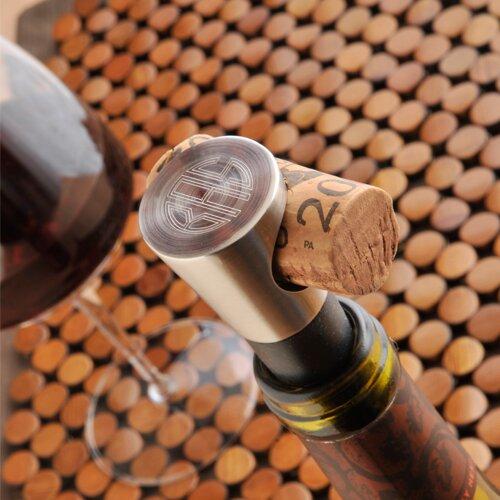 Personalized Gift Buono Vino Wine Stopper